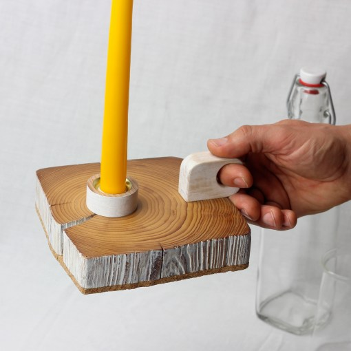 Wooden candle holder with handle