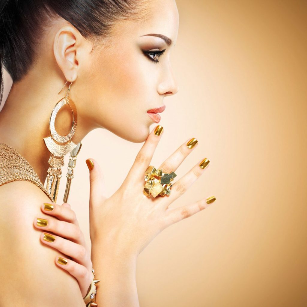 Photo shoot of a woman, wearing jewelry