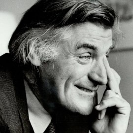 Authors Who lived The Most Tragic And Sad Life (Ted Hughes)