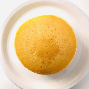 ホテルオークラ ホットケーキ 4枚入をお皿に盛り付け