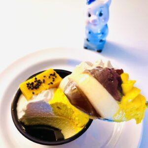 安納芋の和パフェと子豚