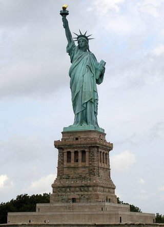 434px-Statue_of_Liberty_7