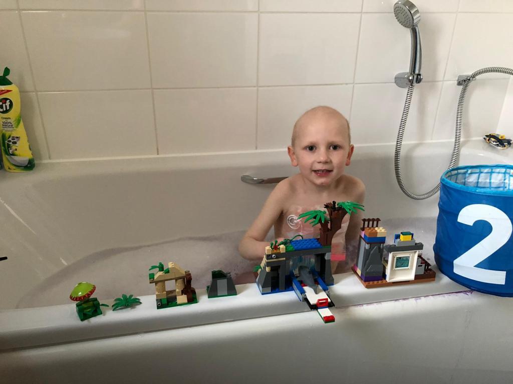 #donate4bilbo, bilbosjourney, childhoodcancer, godberstravel, leukaemia, leukemia, lego, lego fan, bath time