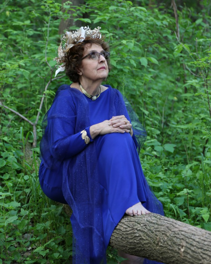 goddess-gloria-on-branch