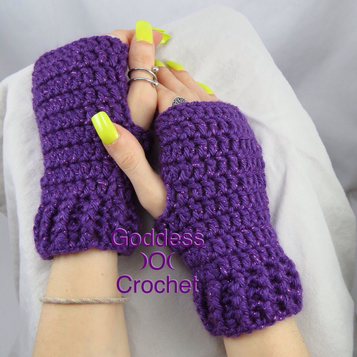 Simple Ribbed Cuff Wrist Warmers – Free Crochet Pattern – Goddess ...