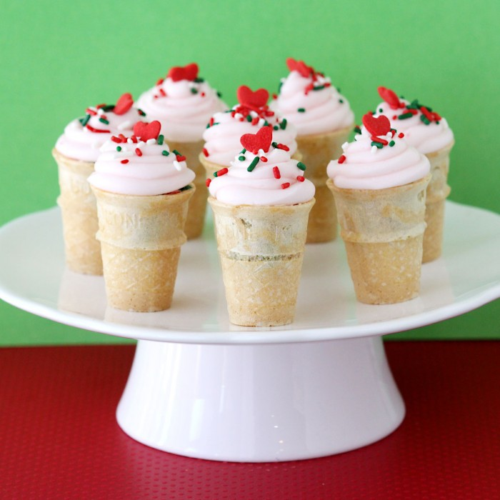 CHRISTMAS DESSERT IDEAS FOR PEOPLE HAVING A SWEET TOOTH