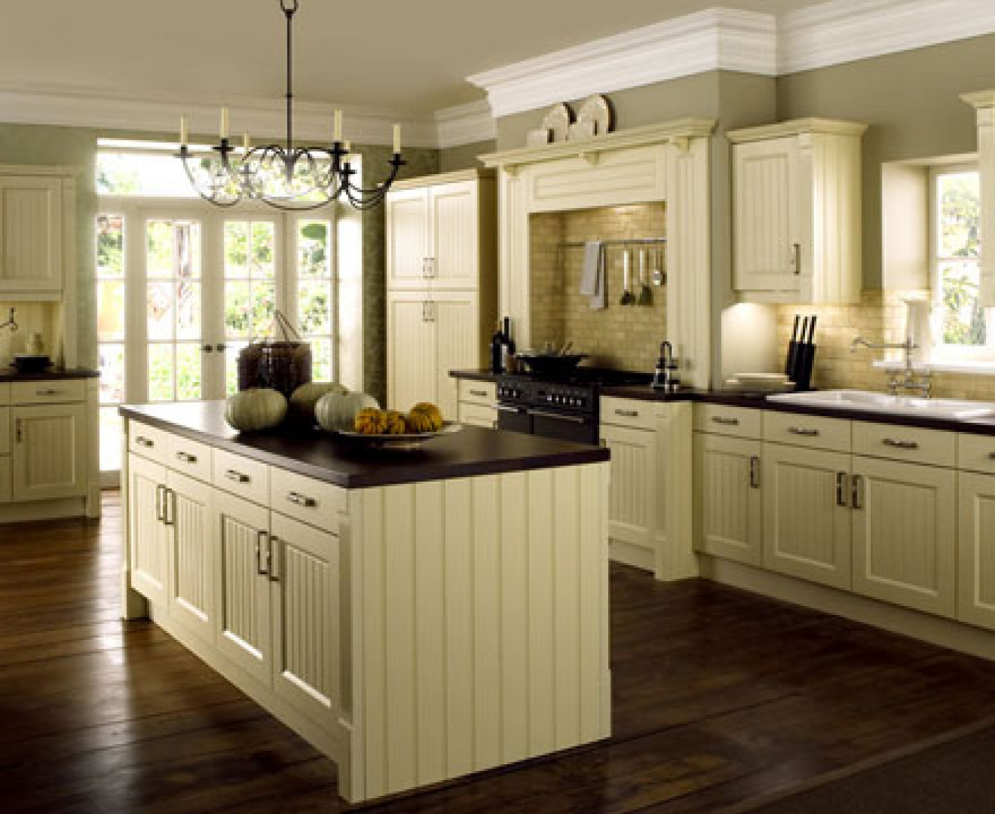 25 TRADITIONAL KITCHEN DESIGNS FOR A ROYAL LOOK ... on Traditional Kitchen Decor  id=75474