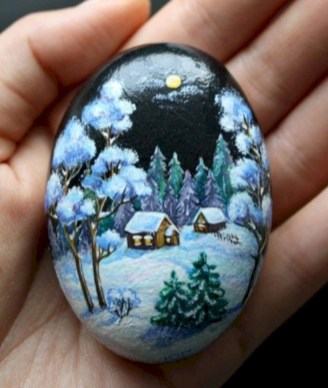 Beautiful christmas rock painting ideas (28)