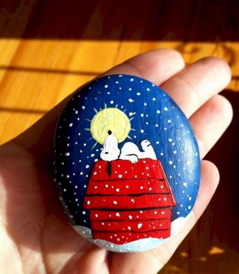 Beautiful christmas rock painting ideas (30)