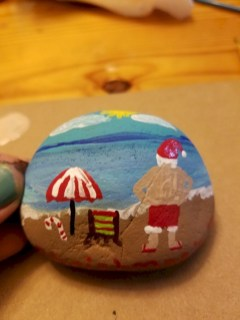 Beautiful christmas rock painting ideas (35)