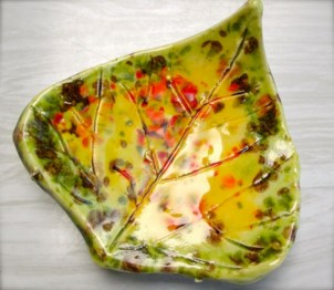 Creative diy dishes made from clay leaves 07