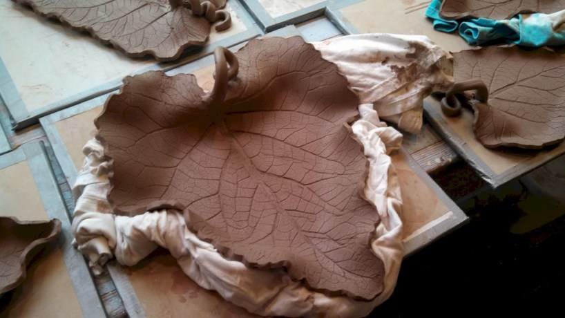 Creative diy dishes made from clay leaves 27