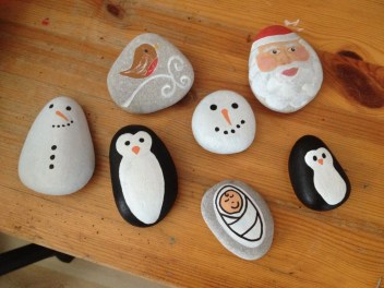 Diy cristmas painted rock design 11