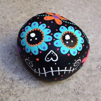 Diy cristmas painted rock design 21