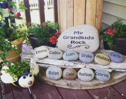 Diy cristmas painted rock design 30