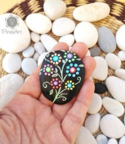 Diy cristmas painted rock design 34