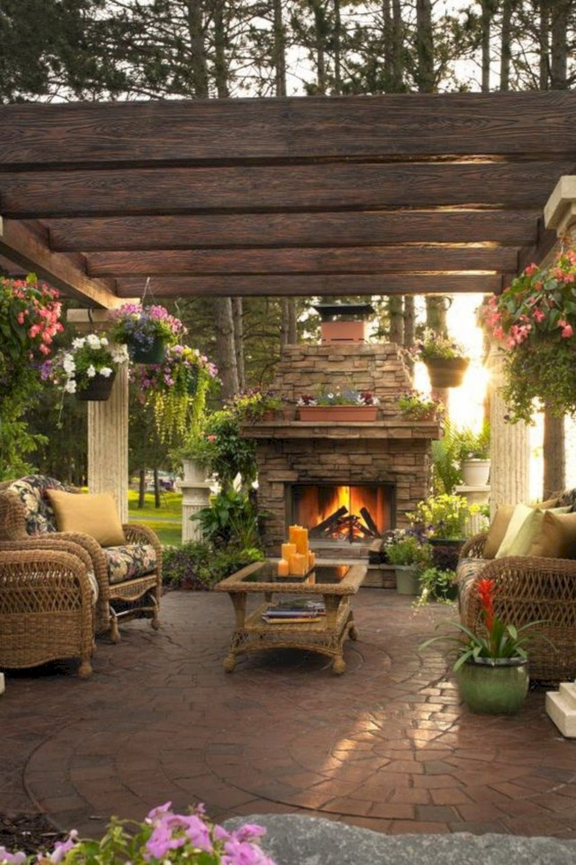 37 DIY Outdoor Fireplace and Fire pit Ideas - GODIYGO.COM on Small Outdoor Fireplace Ideas id=29429