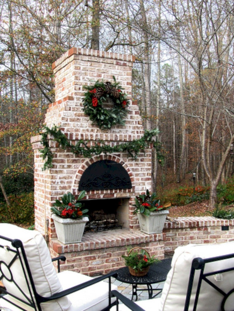 37 DIY Outdoor Fireplace and Fire pit Ideas - GODIYGO.COM on Small Outdoor Fireplace Ideas id=49706