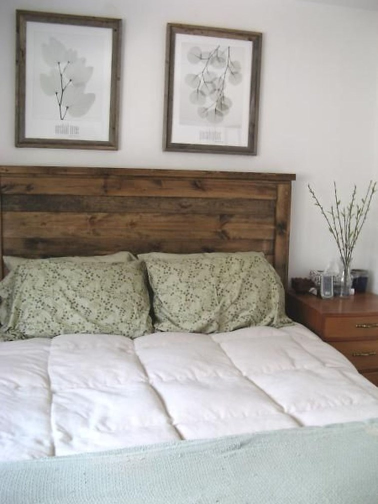 16 outstanding diy reclaimed wood headboards for rustic for Diy rustic bunk beds