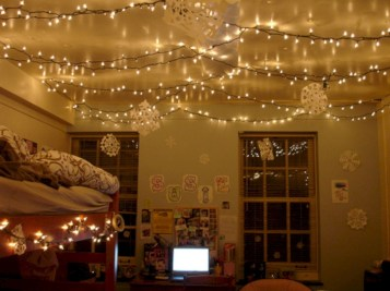 Fairy lights ideas for holiday decorating (28)