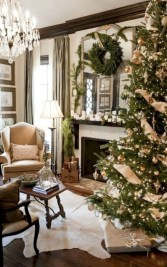 Ideas to decorate your space with candles for christmas 01