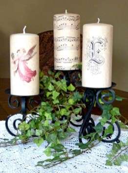 Ideas to decorate your space with candles for christmas 27