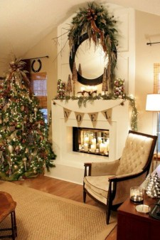Ideas to decorate your space with candles for christmas 36