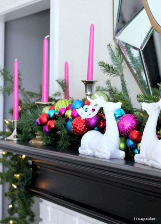 Ideas to decorate your space with candles for christmas 49