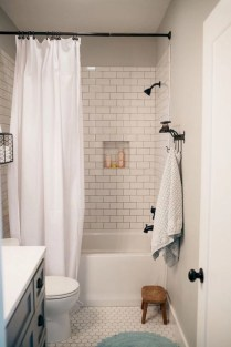 Small bathroom with bathtub ideas 13