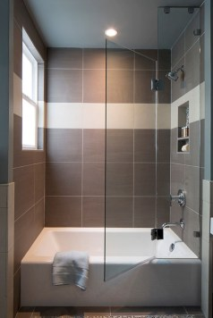Small bathroom with bathtub ideas 18