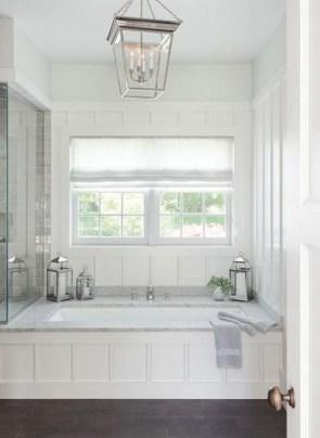Small bathroom with bathtub ideas 24