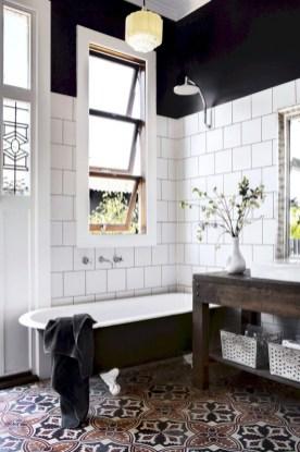 Small bathroom with bathtub ideas 25