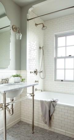 Small bathroom with bathtub ideas 35