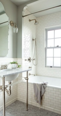 Small bathroom with bathtub ideas 35