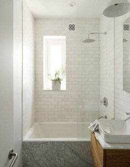 Small bathroom with bathtub ideas 38