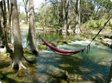 Unique hammock to take a nap (18)