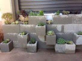 Ways to decorate your garden using cinder blocks 06