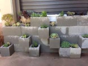Ways to decorate your garden using cinder blocks 06