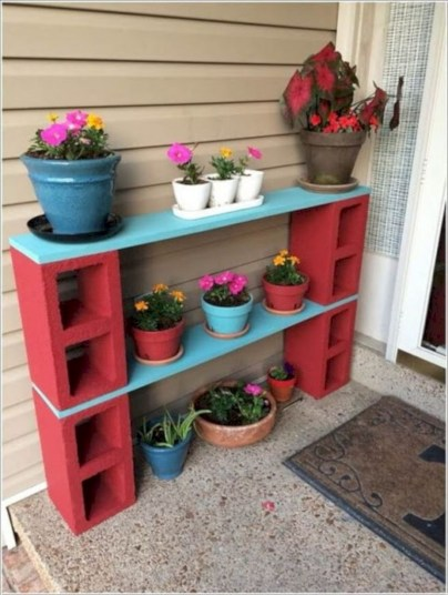 Ways to decorate your garden using cinder blocks 33