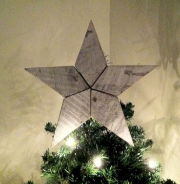 Ways to make your own christmas tree from pallet wood 20