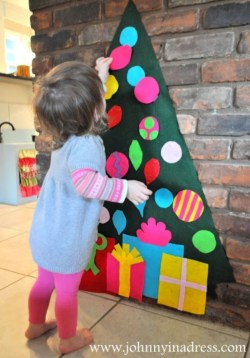 Diy wall christmas tree to save your space 21