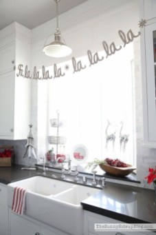 Elegant decorating ideas for white christmas 29
