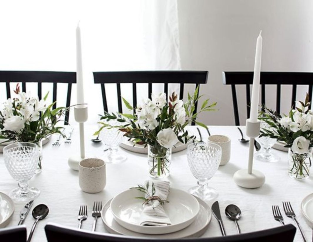Simple and modern christmas tablescape