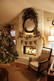 Ways to decorate fireplace for christmas 07