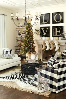 Ways to decorate fireplace for christmas 23