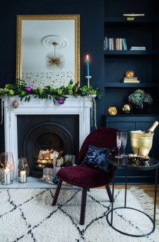 Ways to decorate fireplace for christmas 31