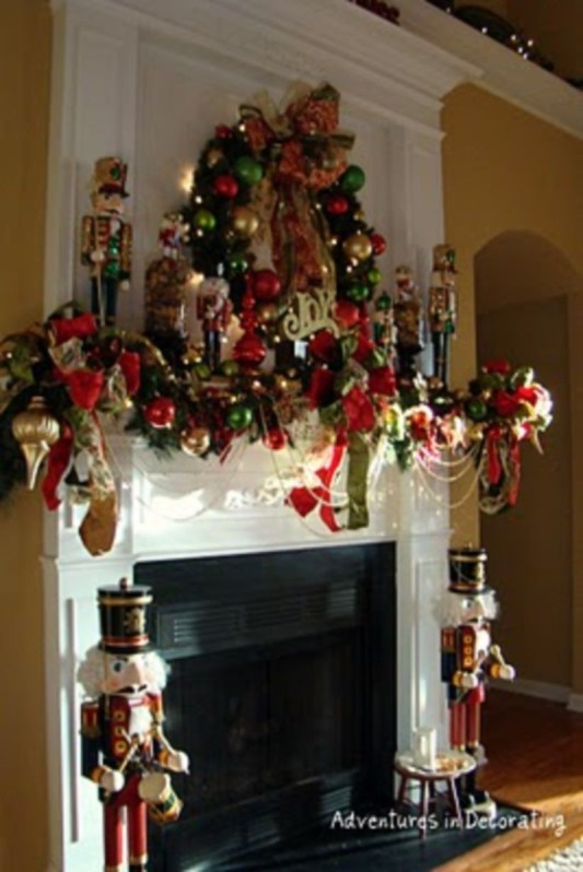 Ways to decorate fireplace for christmas 40