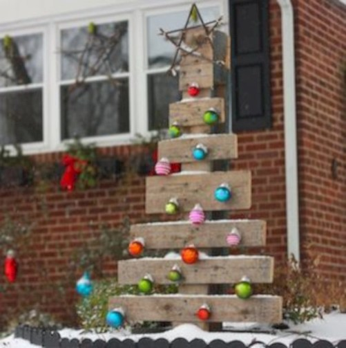 Cute yard ornament for your own outdoor space 28