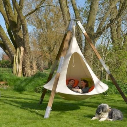 Diy outdoor swing ideas for your garden 32