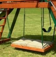 Diy outdoor swing ideas for your garden 34